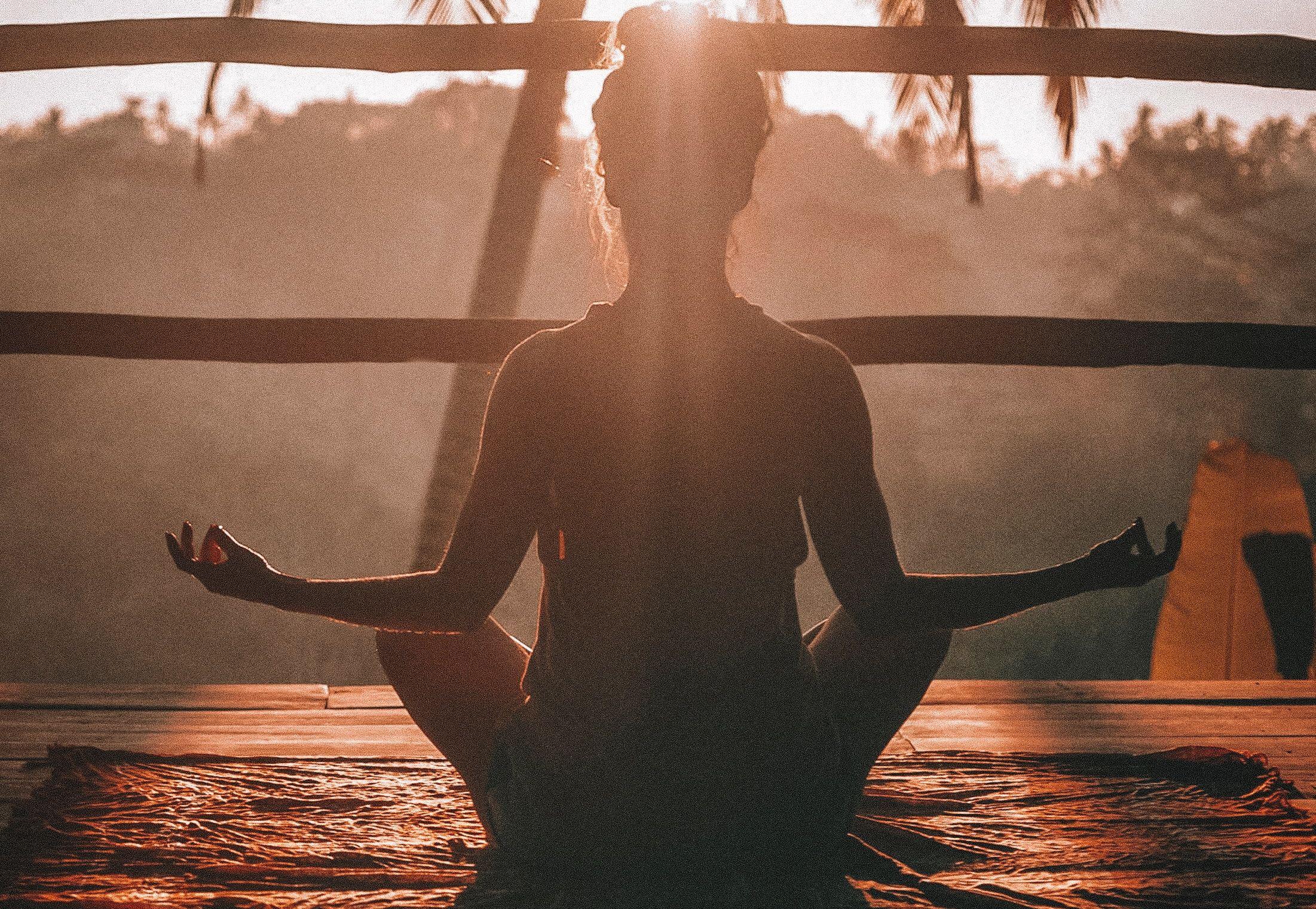 Uzdrawiające transy – Tarcza Światła i Sugestia Samouzdrawiania